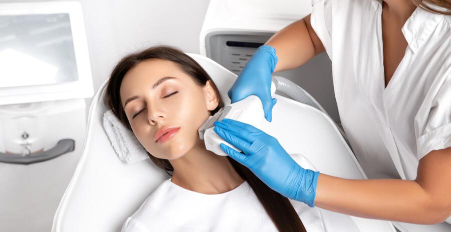 IPL Haarentfernung: Der Wunsch nach dauerhaft glatter Haut